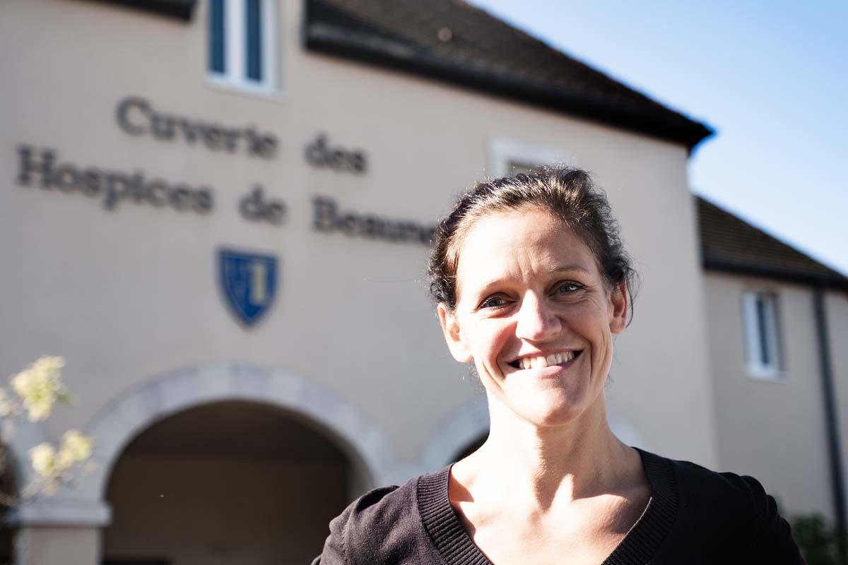 Vidéo et interview de Ludivine Griveau – premier bilan du millésime 2021  aux Hospices de Beaune